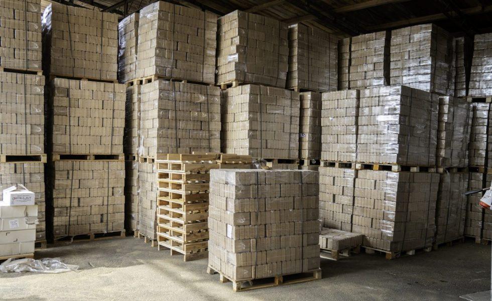 El valor de los residuos de madera multiplicado por diez
