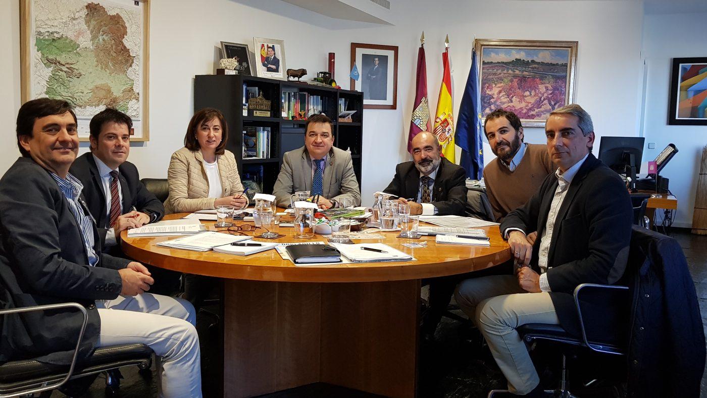 Ingenieros forestales se reúnen con el Consejero de Agricultura y Desarrollo Rural de Castilla-La Mancha