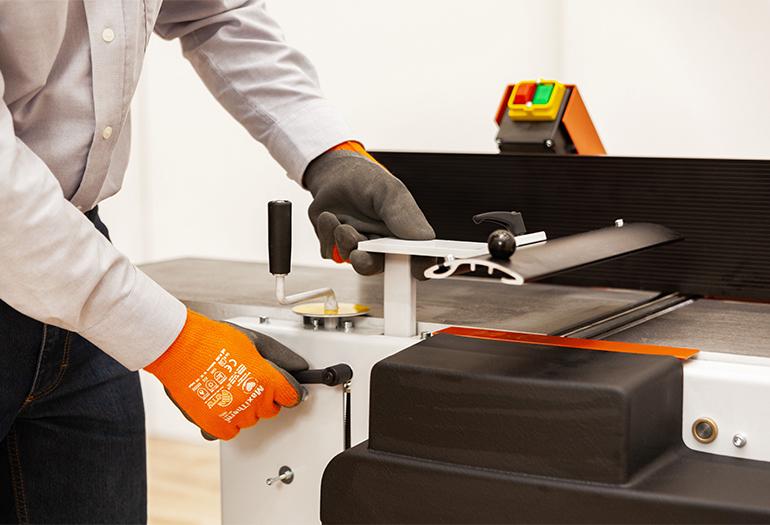 WOOD-MIZER presenta la cepilladora y regruesadora MP160 para talleres