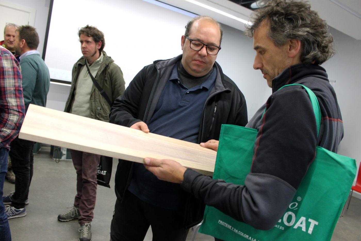 Carpinteros vizcaínos experimentan con los aceites para madera de RUBIO MONOCOAT