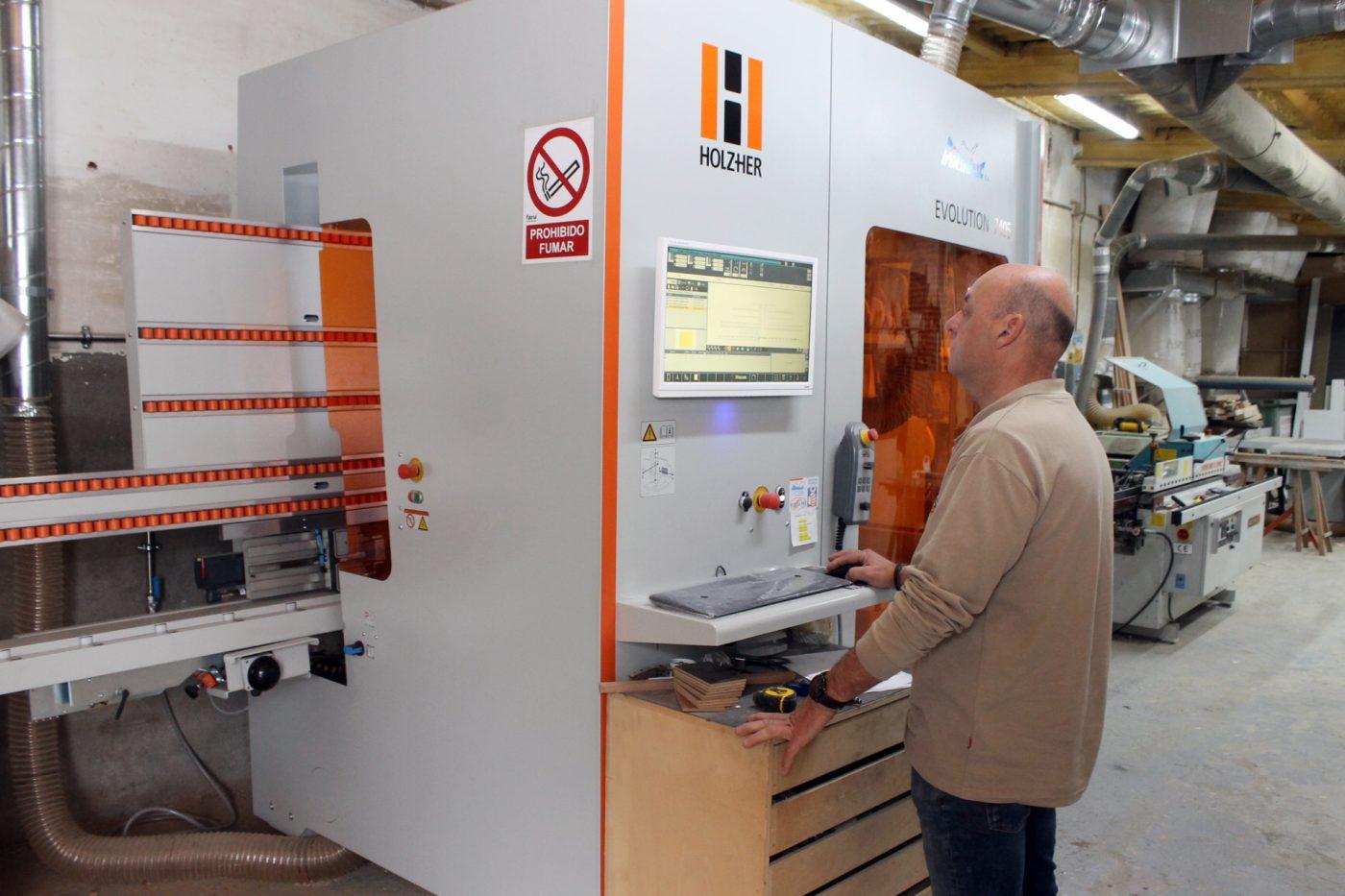 Fustería GALAMBA agiliza y rentabiliza sus obras con la Evolution de HOLZ HER