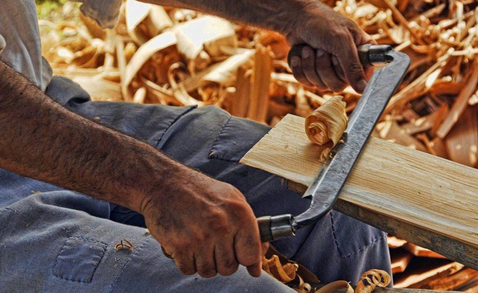 ¿Por qué alquilar un almacén si eres carpintero o profesional del sector?