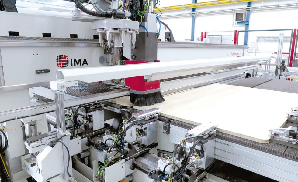 Célula de fabricación de tamaño de lote 1 totalmente integrada y automatizada para los frentes de los armarios