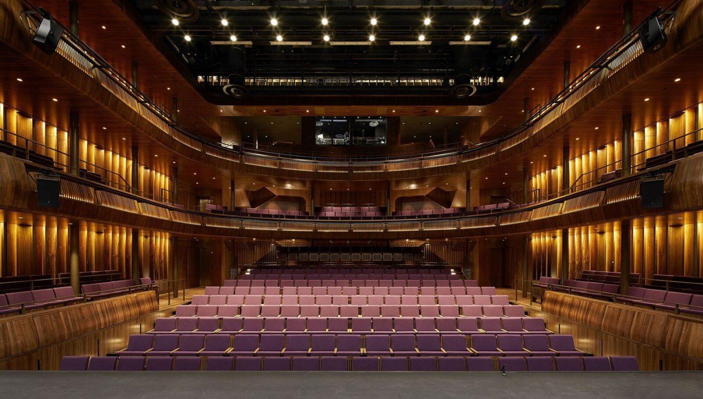 El nogal estadounidense es utilizado para renovar la Royal Opera House de Londres