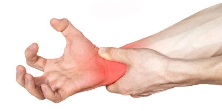 Las máquinas de lijar de BONA incluyen guantes para prevenir del síndrome del túnel carpiano