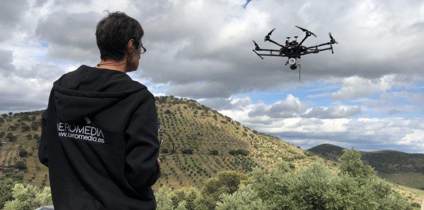 AEROMEDIA puede volar con drones donde otros no pueden