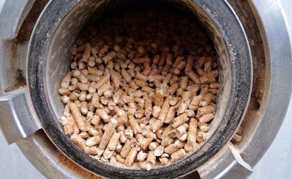 Continúa la tendencia bajista del precio del pellet en fábrica