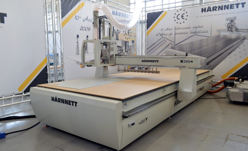 HÄRNNETT machinery for the manufacture of partitions and protective masks