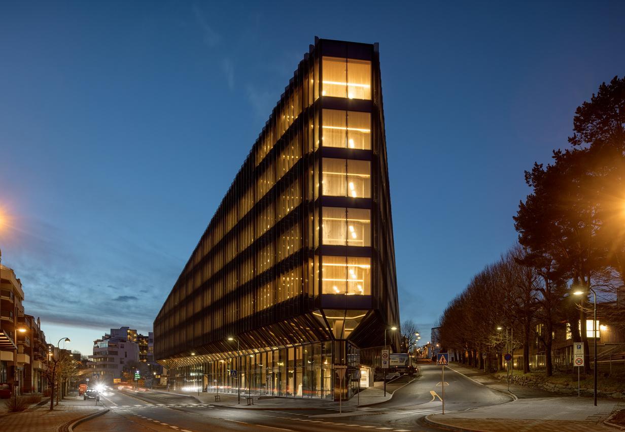 La sede del SpareBank opta por el BauBuche de POLLMEIER