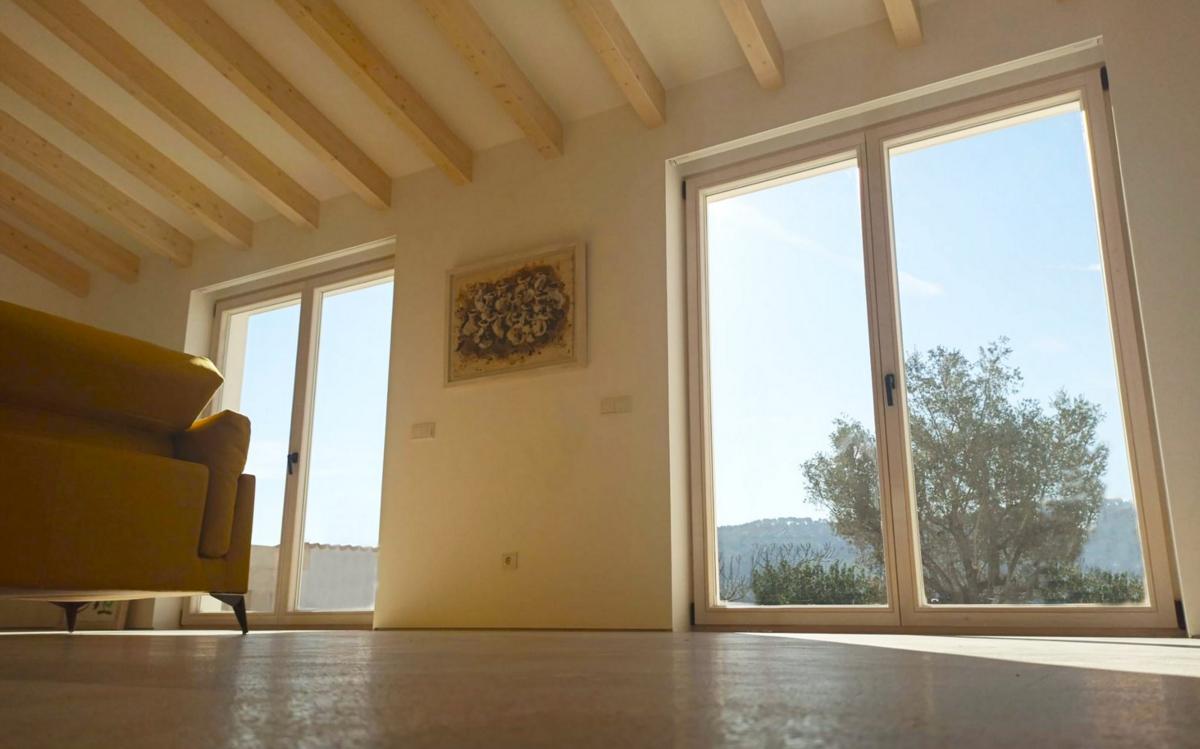 «La madera es un material noble, con una baja conductividad térmica que favorece el aislamiento general de la vivienda»