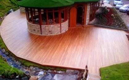 QUIDE ofrece TARIMEX EXTRA, para proteger los suelos de madera exteriores