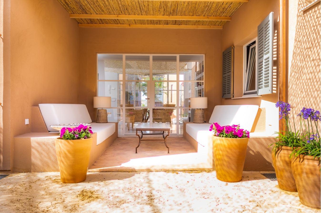ARQUIMA presenta una vivienda sostenible y luminosa al más puro estilo mediterráneo