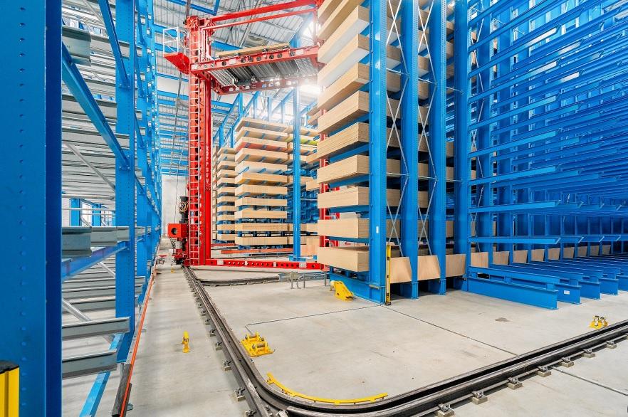 DREVO TRUST pone en marcha un almacén automatizado para almacenamiento de tableros