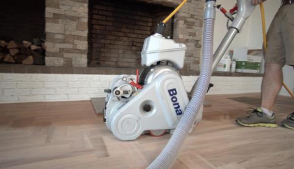 Renovar un suelo de madera tiene un 75% menos huella de carbono en comparación con su sustitución