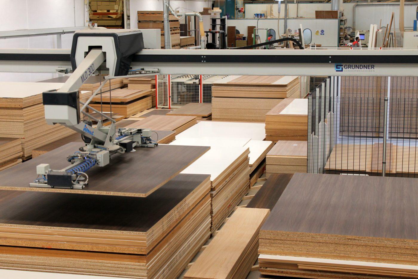 EMEDE gana flexibilidad, productividad, control y espacio, con un almacén inteligente GRUNDNER