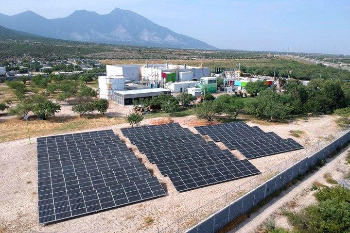 AKZONOBEL instala 1.600 paneles solares en su planta de producción de Barcelona