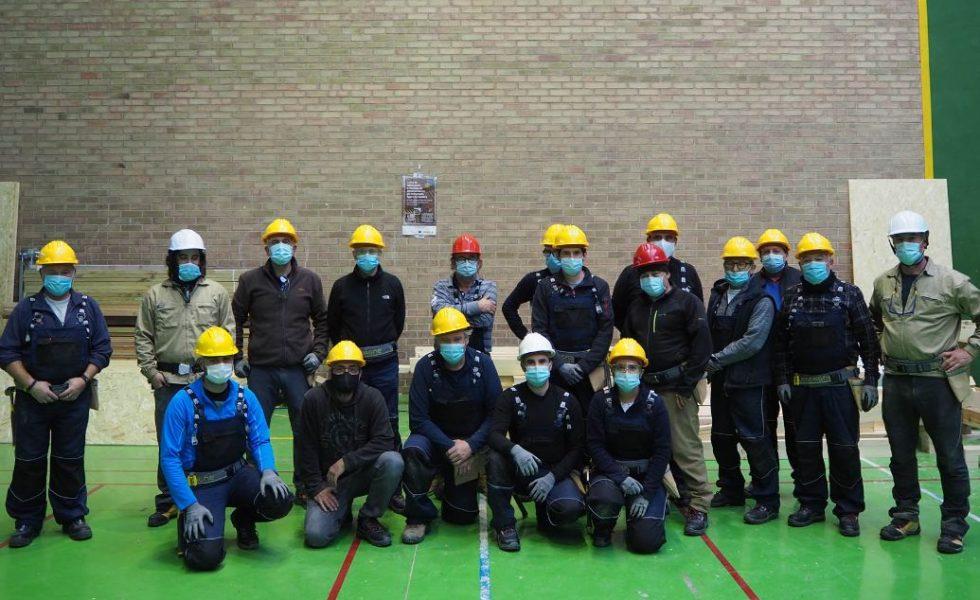 Exito de los cursos de construcción con madera de CESEFOR