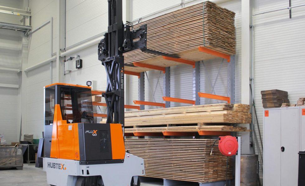 Los nuevos vehículos de HUBTEX aseguran un manejo eficiente de la madera y materiales derivados