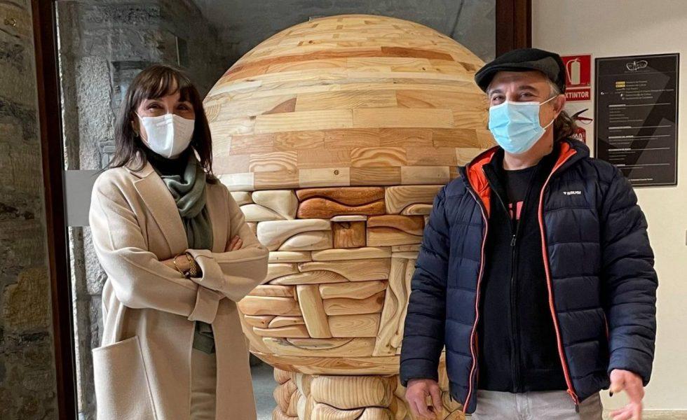 Descubre seres durmientes en las entrañas de la madera