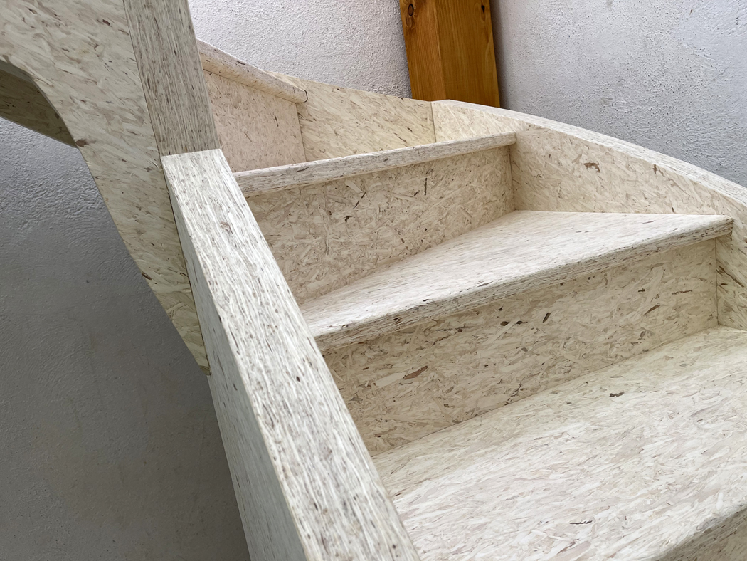 TABSAL e ICAMTEK ceden sus productos para que alumnos del C.I. DONIBANE fabriquen una escalera
