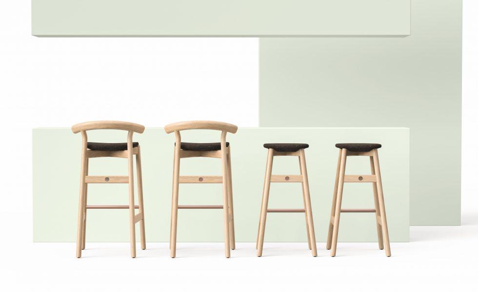 DINA: una silla y un taburete de bar