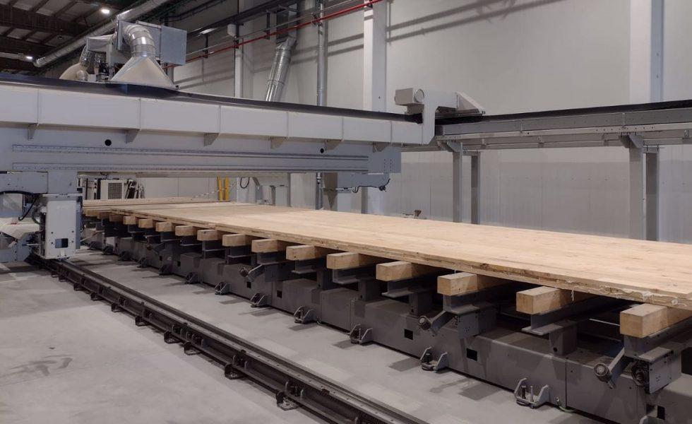 Galicia produce su primer tablero de CLT