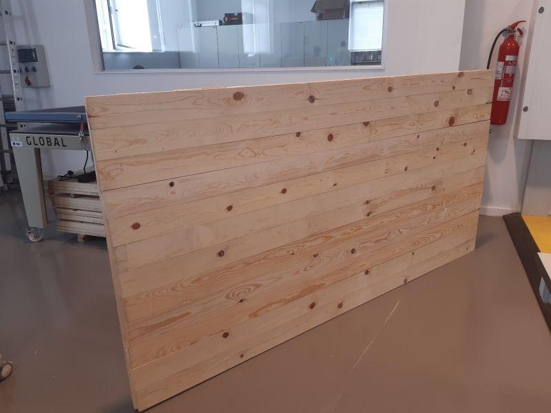 Fabrican el primer panel CLT elaborado con madera de pinus nigra