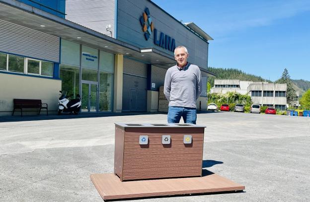 Aprovechar el serrín para la fabricación de mobiliario urbano