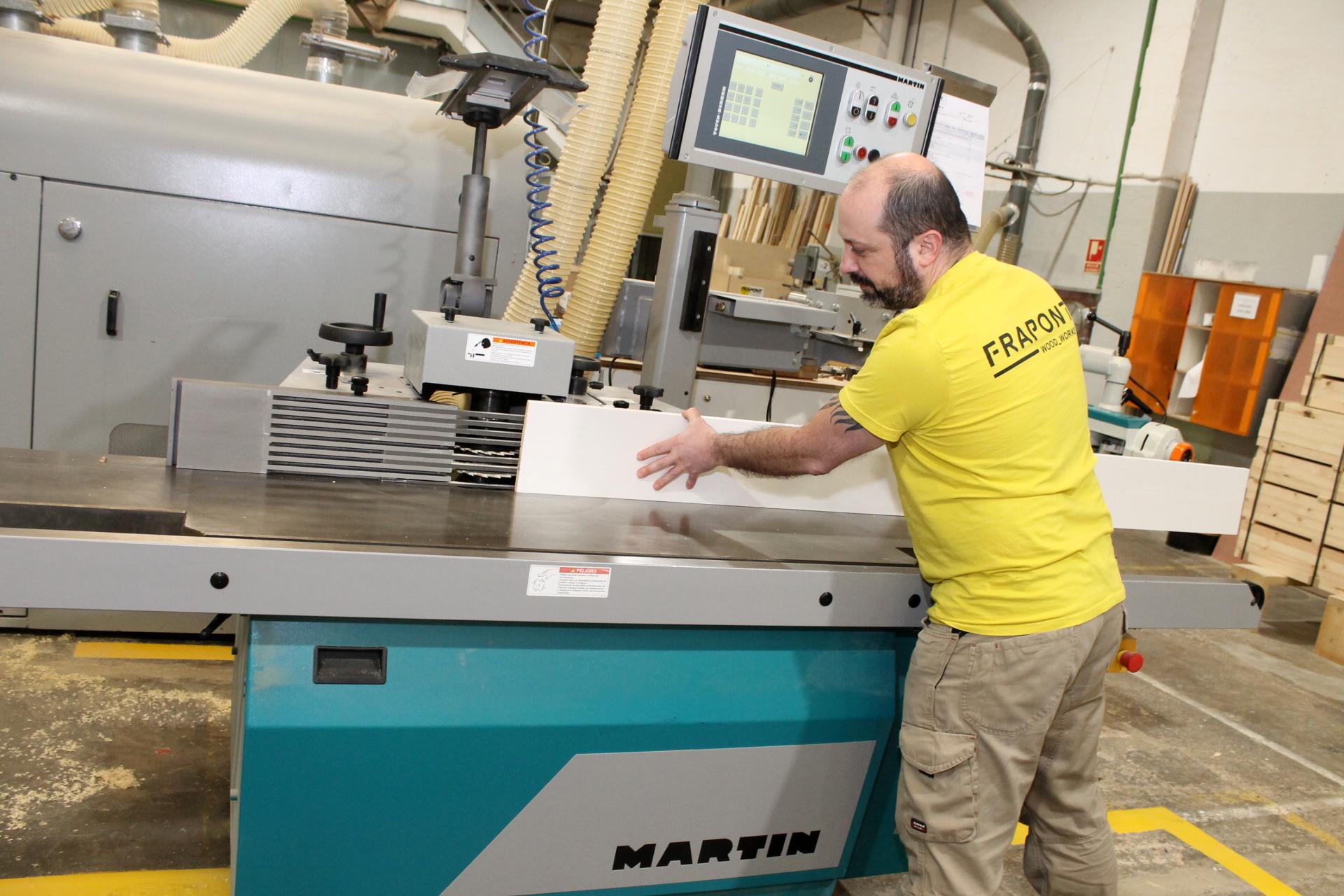 FRAPONT afina su precisión con una tupí y una escuadradora digitales de MARTIN