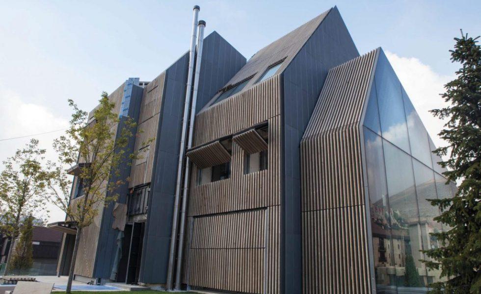 Revestimiento de fachadas con ACCOYA® en la urbanización Mzaar Kfardebian, en Líbano