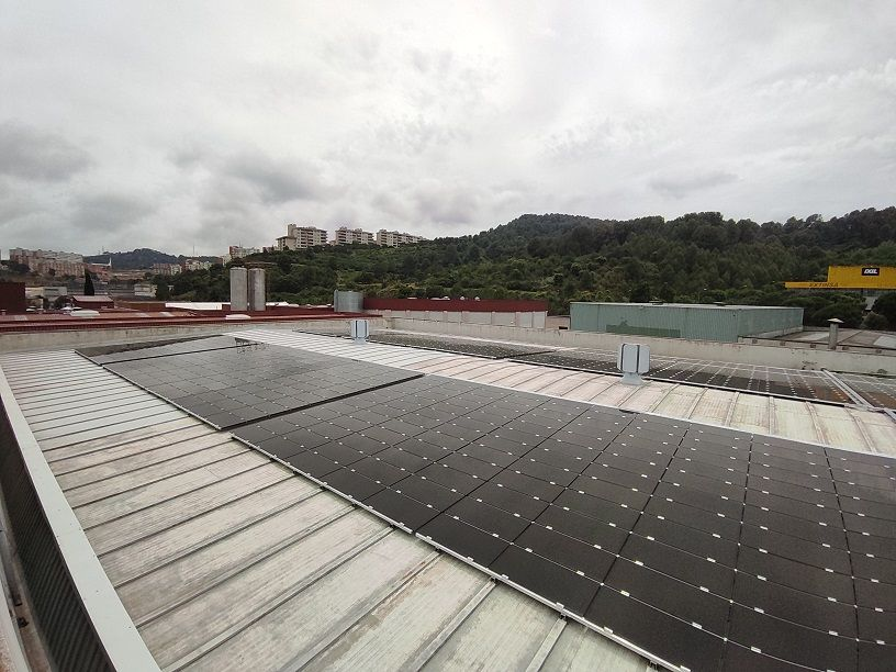 SOLARPROFIT instala más de 1000 placas solares en el centro de producción de KLEIN IBÉRICA