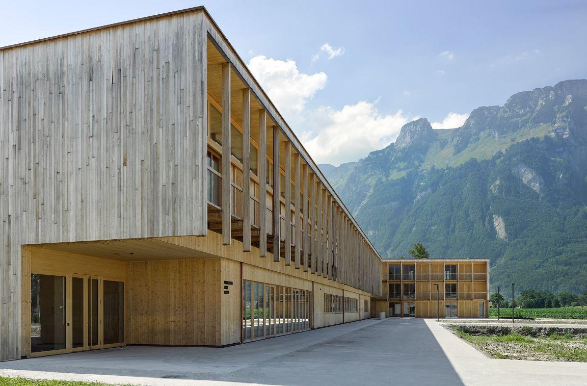 GAMIZ suministra las vigas de roble para construir el Centro Agrícola St. Gallen en Salez