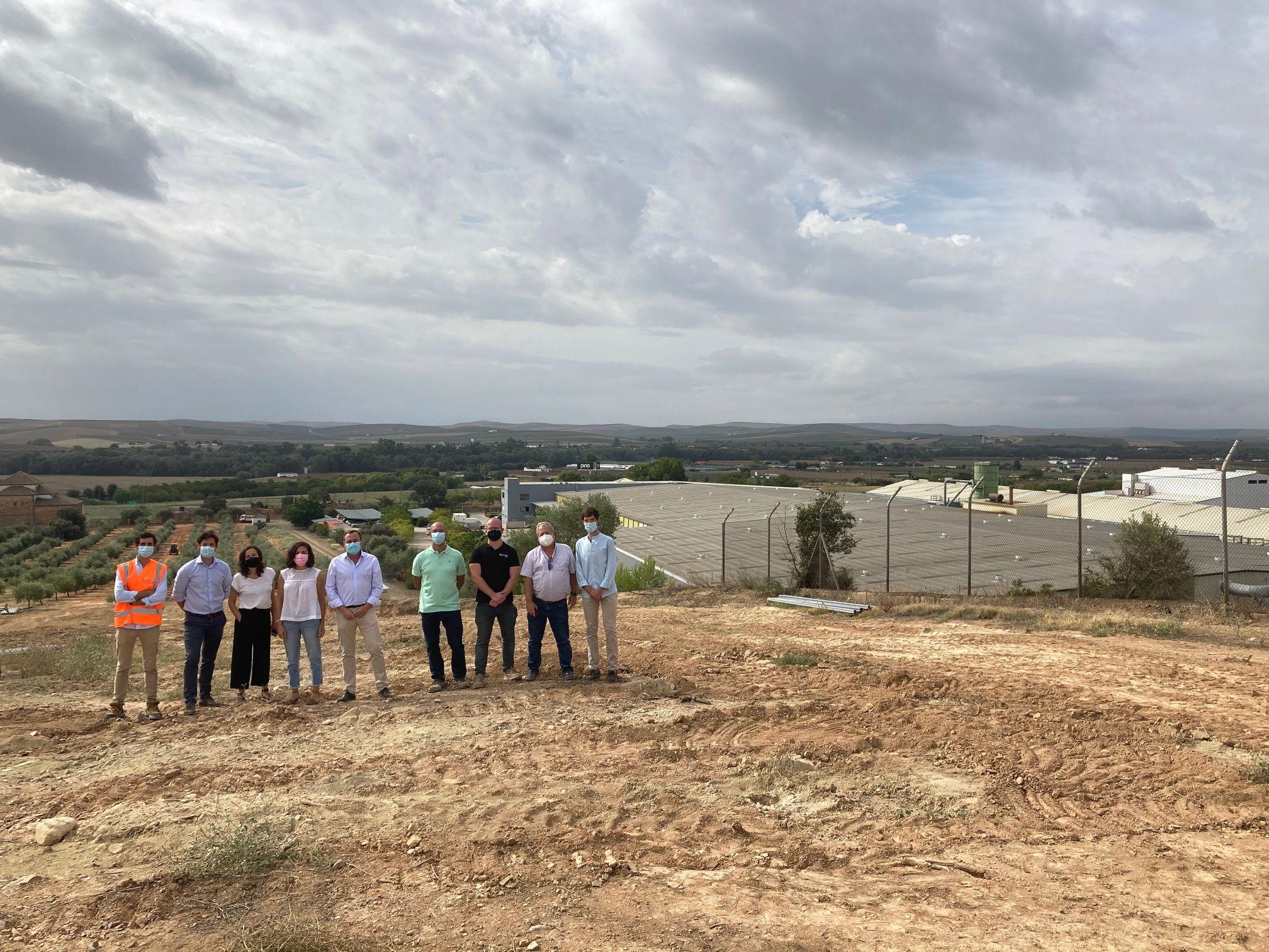 Arrancan las obras para la la instalación de una central solar fotovoltaica en las instalaciones de PINO Cocinas y Baños